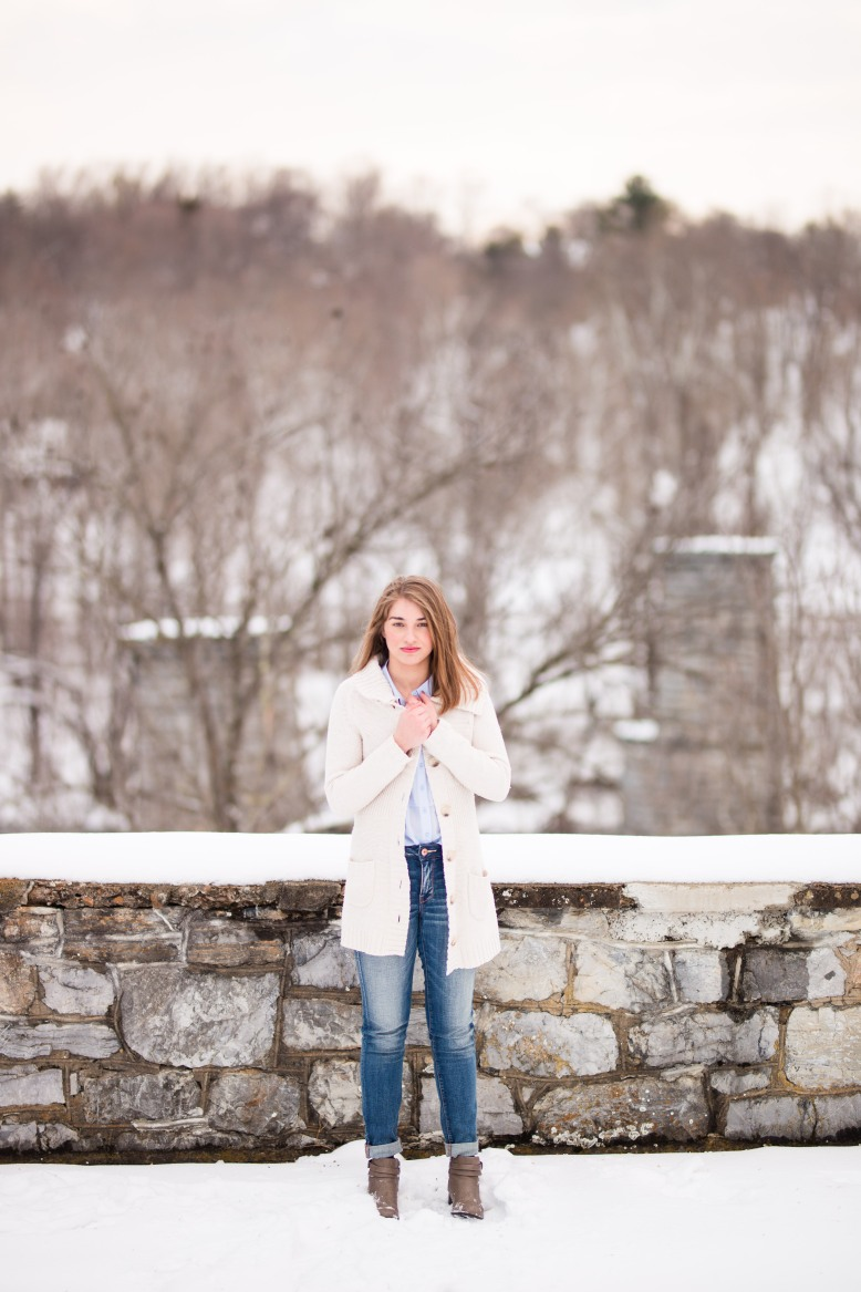 martinsburgwinterseniorsession-1